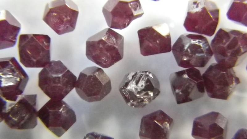 Synthetic diamonds that can detect electric and magnetic fields at the nano scale.